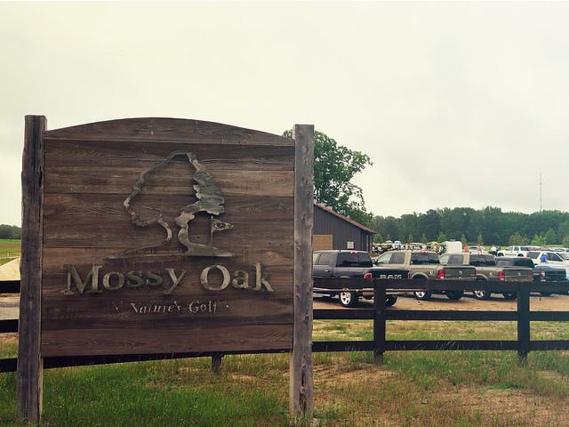 golf tournament sign at the mossy oak golf club