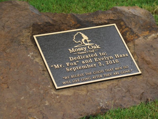 mossy oak nature's golf dedication plaque